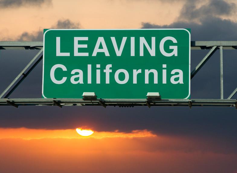 Fólk flýr sólskinsríkið Kaliforníu