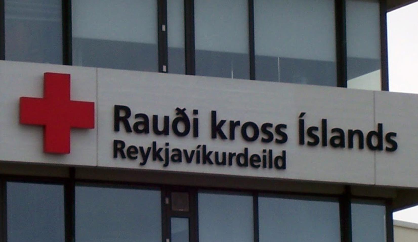 Segir Rauða Krossinn vera með 31 lögmann á sínum snærum: Verkefnið að tefja brottvísun ólöglegra innflytjenda frá landinu